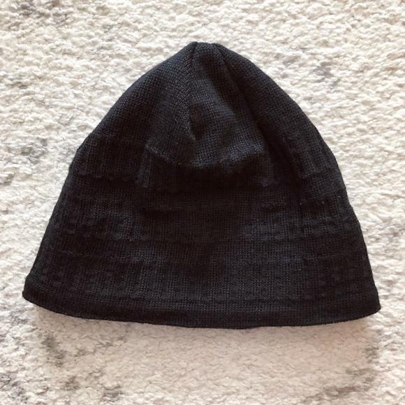 3339a0aa2 Black Eddie Bauer knit wool beanie hat